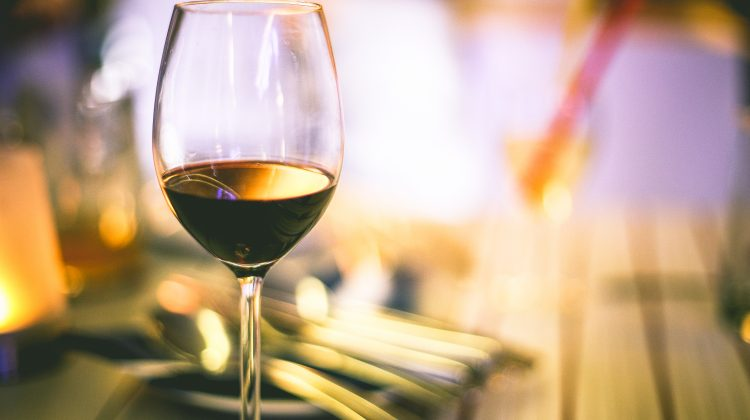 How To Easily Throw an Inexpensive Wine Tasting Party