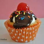 Banana Split Cupcakes With Strawberry Pineapple Filling
