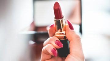 Five Unique Makeup Looks for Women over Thirty