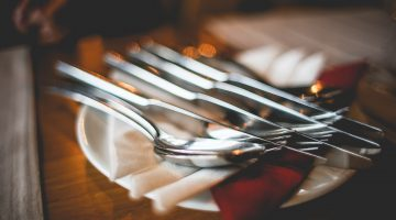 Place Setting Guide: Casual, Informal or Formal