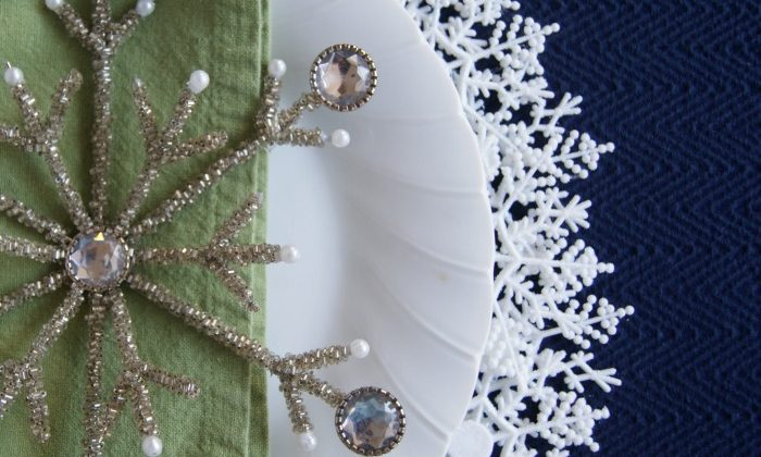 Snowflake Plate Charger {A Dollar Store Project}